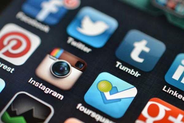 مدیریت ارتباطی بحران صرفا مشخص سخنگو و مواجهه دستورالعملی نیست ، انتقاد نسبت به غفلت از رسانه های اجتماعی