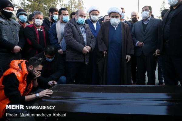 پیکر انصاریان به خاک سپرده شد، اقامه نماز به امامت شیخ حسین